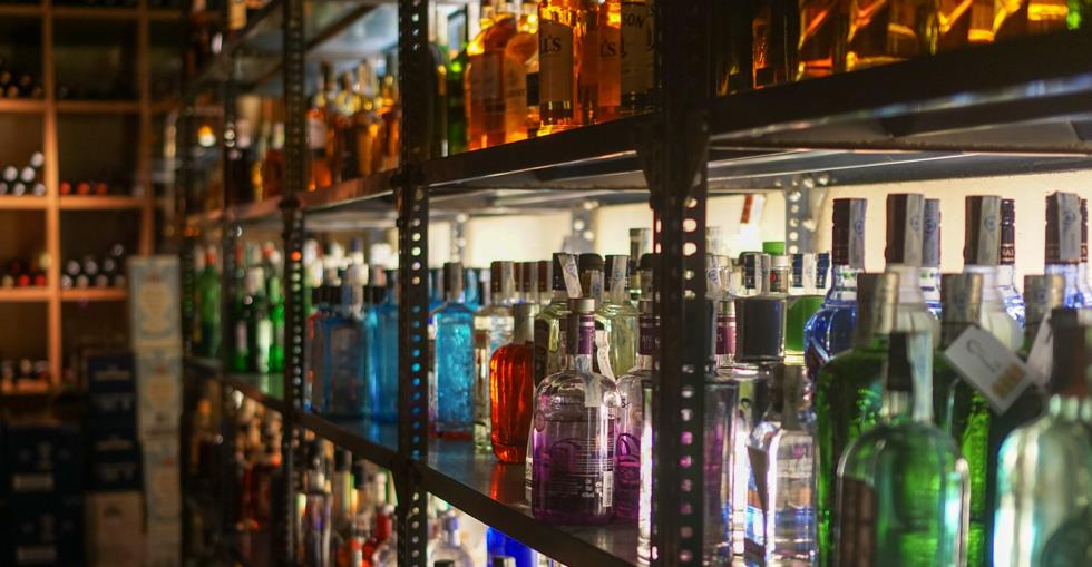 article How to successfully sell a liquor store image